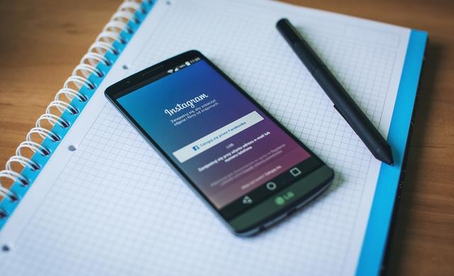 How to Instagram-matize LinkedIn